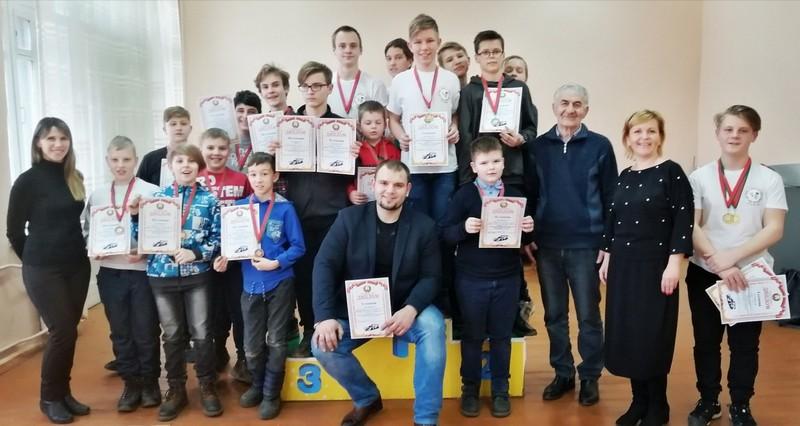 bobruiskie-avtomodelisty-absolyutnye-pobediteli-oblastnykh-sorevnovanii-2