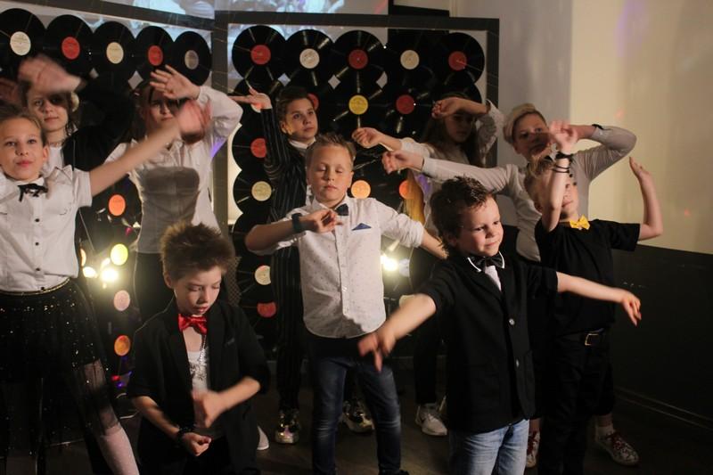 v-bobruiskoi-detskoi-kinoshkole-borsh-premernyi-pokaz-klipa-2
