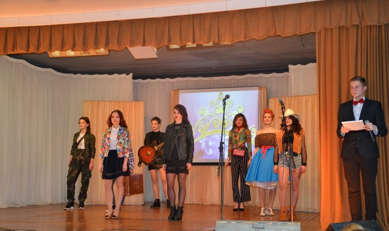 za-pochyotnoe-zvanie-miss-kolledzh-2020-borolis-8-uchashikhsya-bobruiskogo-kolledzha-4
