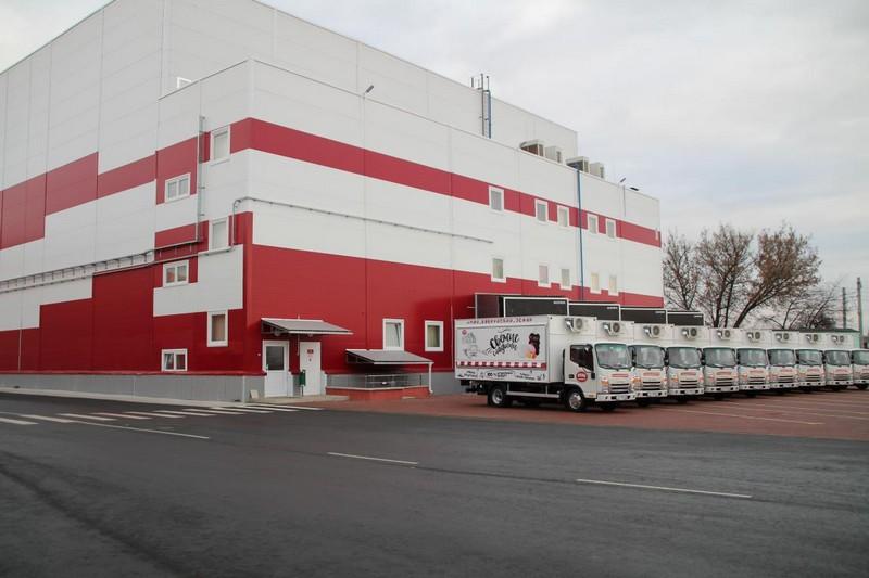 samaya-sladkaya-fabrika-bobruiska-otkryla-100-i-firmennyi-magazin-1