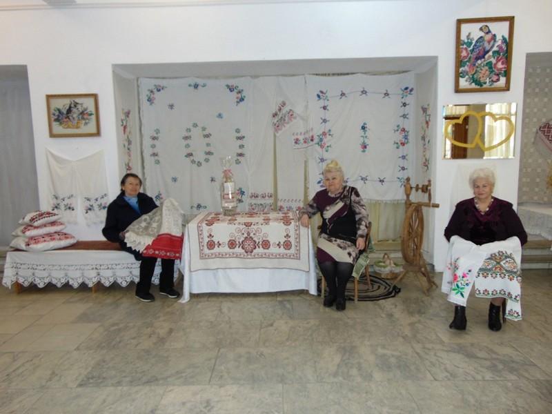 vystavka-iz-babushkinogo-sunduka-3