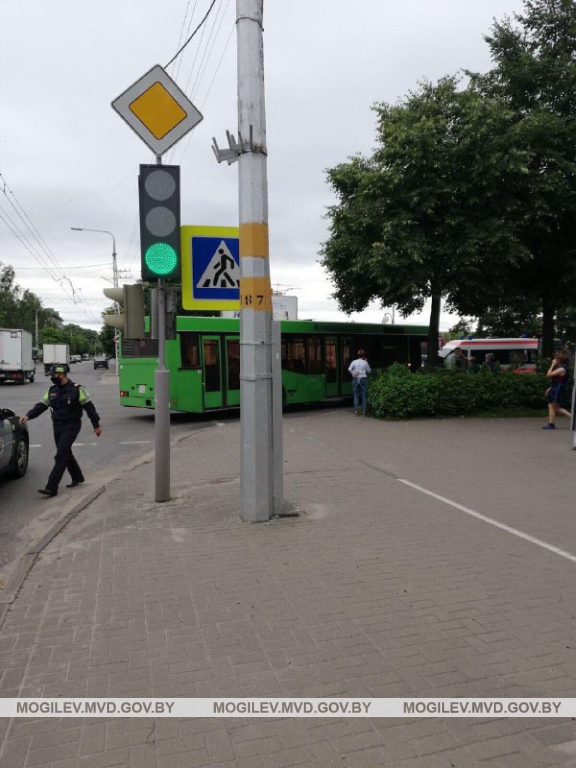 12-letnii-bobruichanin-gospitalizirovan-posle-dtp-s-avtobusom
