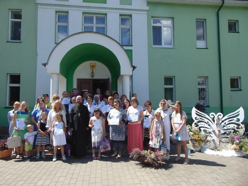 v-tretii-raz-v-bobruiske-proshla-vystavka-konkurs-cvety-dlya-svyatoi-elisavety-3