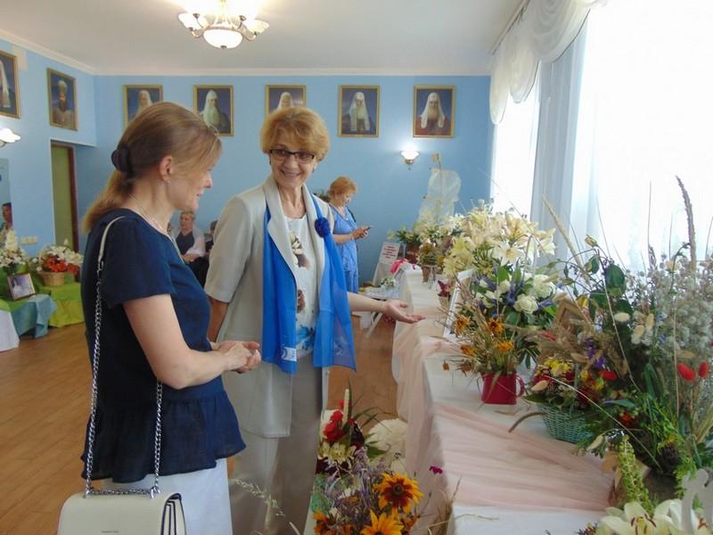 v-tretii-raz-v-bobruiske-proshla-vystavka-konkurs-cvety-dlya-svyatoi-elisavety-4