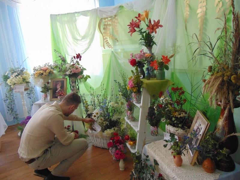 v-tretii-raz-v-bobruiske-proshla-vystavka-konkurs-cvety-dlya-svyatoi-elisavety-8
