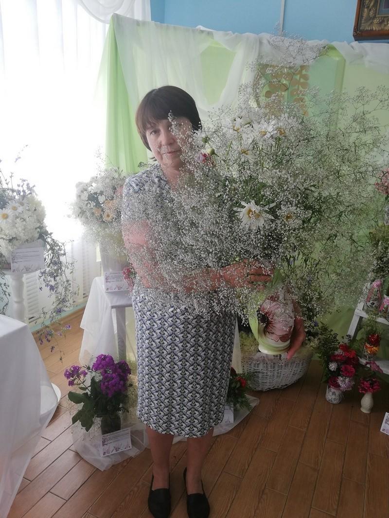 v-tretii-raz-v-bobruiske-proshla-vystavka-konkurs-cvety-dlya-svyatoi-elisavety-11