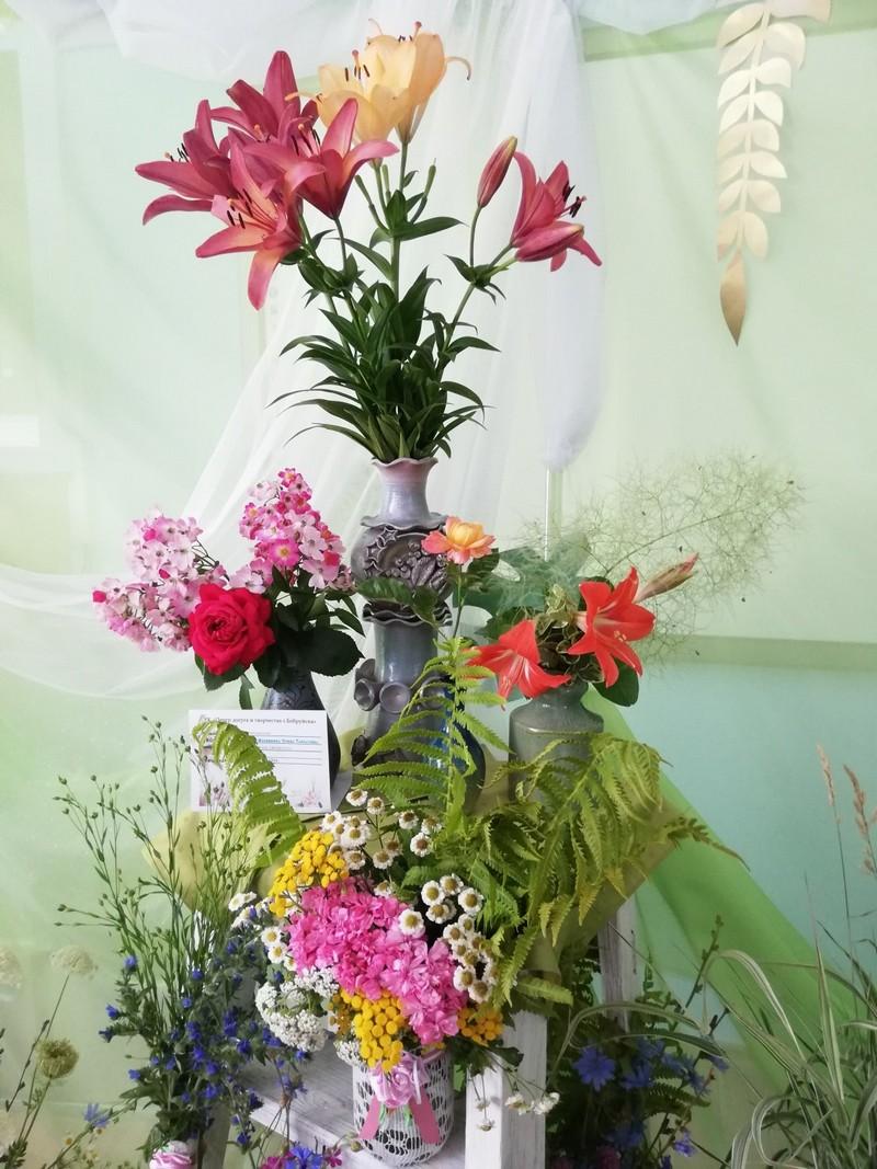v-tretii-raz-v-bobruiske-proshla-vystavka-konkurs-cvety-dlya-svyatoi-elisavety-12