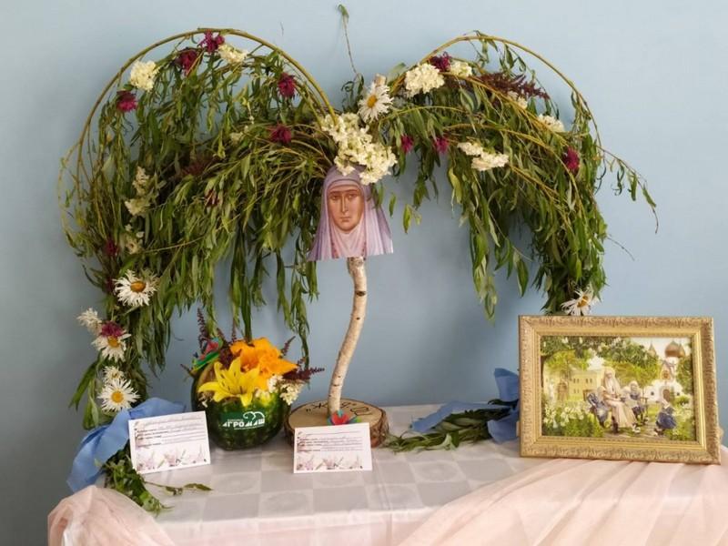 v-tretii-raz-v-bobruiske-proshla-vystavka-konkurs-cvety-dlya-svyatoi-elisavety-16