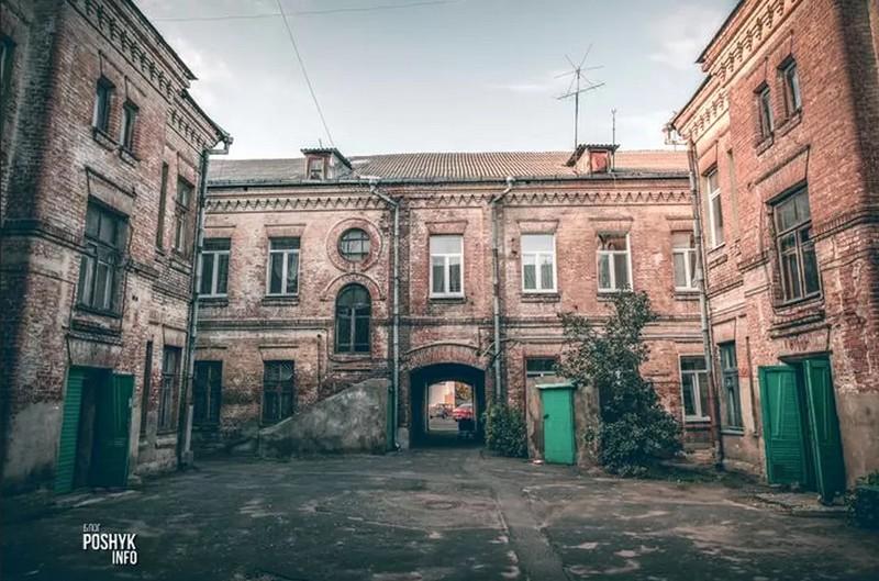 ekskursiya-po-belorusskoi-odesse-bobry-kreposti-i-bronzovye-ilichi-3