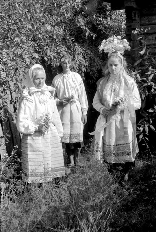 sovrat-o-devstvennosti-devushki-togda-ne-reshalis-kakimi-byli-svadebnye-obryady-i-naryady-nashikh-predkov-5