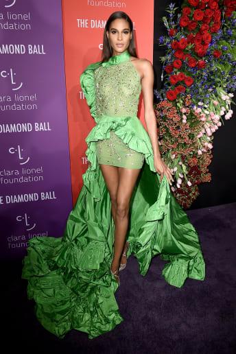 Cindy Bruna - Outfit Chic Cerimonia Lusso