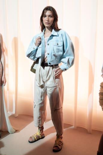 Bella Hadid - Outfit Casual Viaggio Lusso