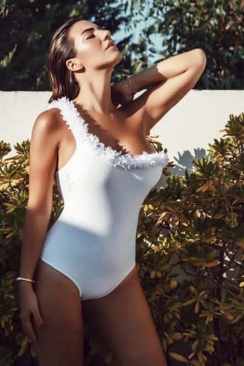 Paola Modugno - Outfit Spiaggia Economico