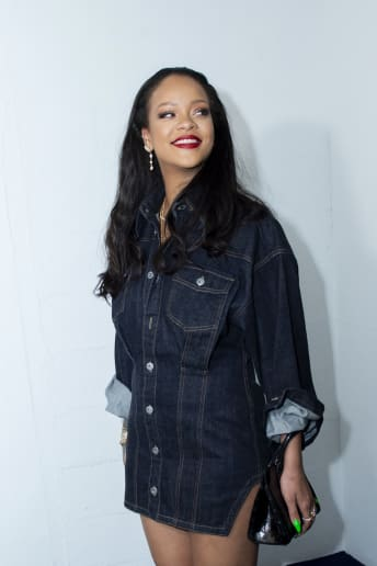Rihanna - Outfit Casual Tutti i giorni Fascia Media