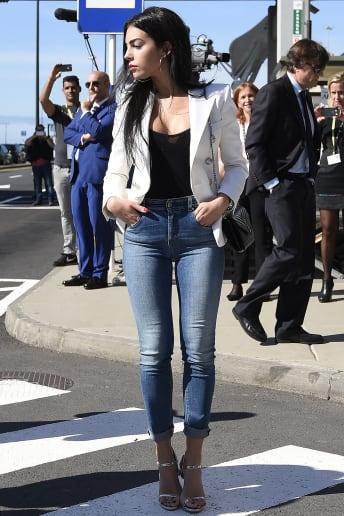 Georgina Rodriguez - Outfit Trendy Tutti i giorni Lusso