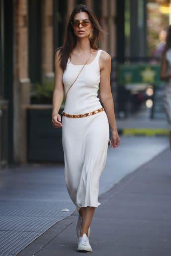Emily Ratajkowski - Outfit Casual Tutti i giorni Economico