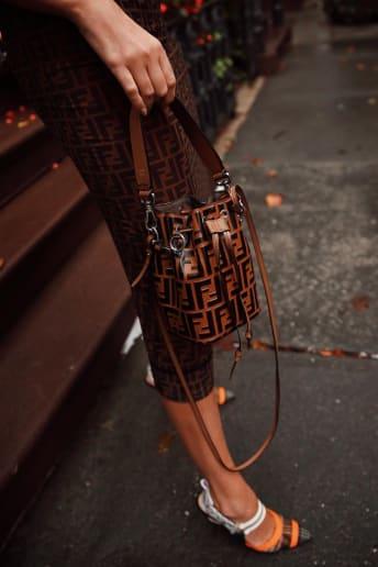 Catherine Poulain - Outfit Trendy Tutti i giorni Lusso