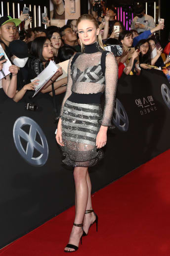 Sophie Turner - Outfit Chic Cerimonia Lusso