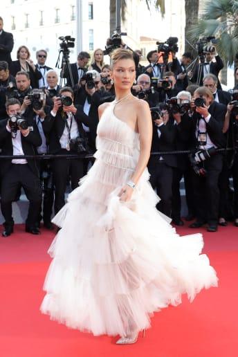 Bella Hadid - Outfit Chic Cerimonia Lusso