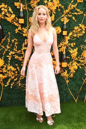 Jennifer Lawrence - Outfit Bon Ton Cerimonia Lusso
