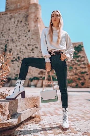 Enrica Sciarretta - Outfit Trendy Tutti i giorni Economico