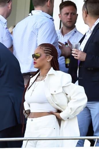 Rihanna - Outfit Urban Tutti i giorni Lusso
