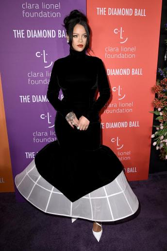 Rihanna - Outfit Chic Cerimonia Lusso
