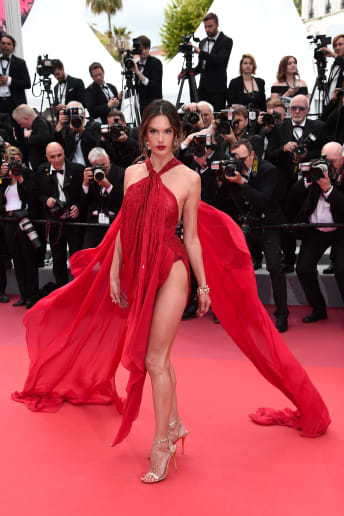 Alessandra Ambrosio - Outfit Chic Cerimonia Lusso