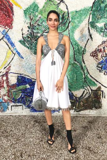Jessica Kahawaty - Outfit Chic Cerimonia Lusso
