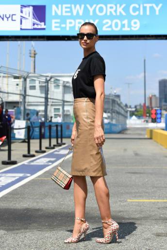 Irina Shayk - Outfit Trendy Festival Lusso