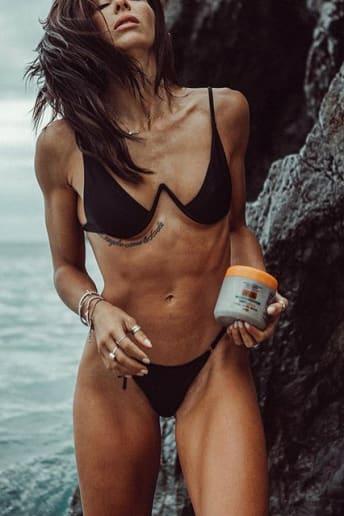 Giulia Calcaterra - Outfit Spiaggia Fascia Media