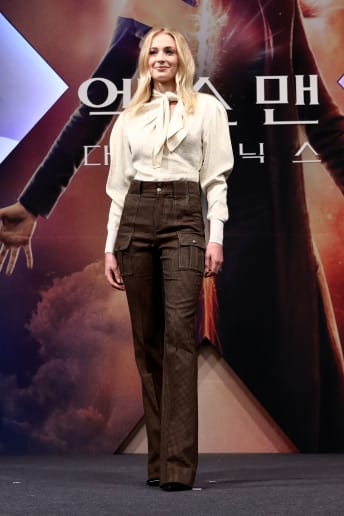 Sophie Turner - Outfit Bon Ton Tutti i giorni Economico