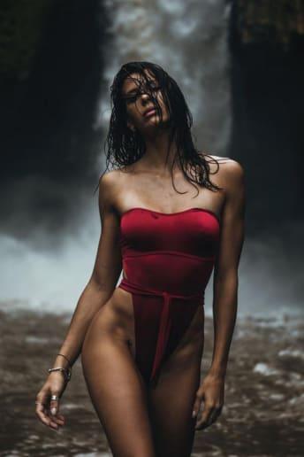 Giulia Calcaterra - Outfit Spiaggia Economico