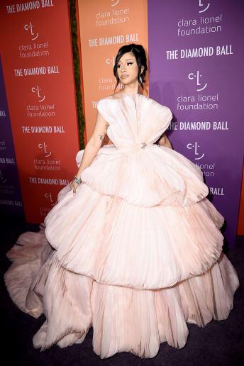 Cardi B - Outfit Chic Cerimonia Lusso