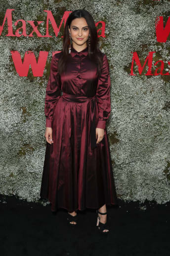 Camila Mendes - Outfit Chic Cerimonia Lusso