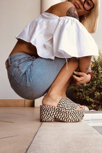 Chiara Bindoni - Outfit Trendy Tutti i giorni Economico