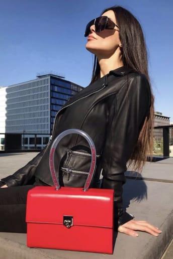 Elisabetta Galimi - Outfit Casual Viaggio Fascia Media