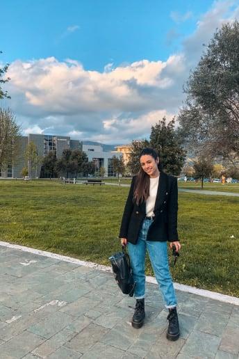 Rossella Dattolo - Outfit Casual Scuola / Università Fascia Media