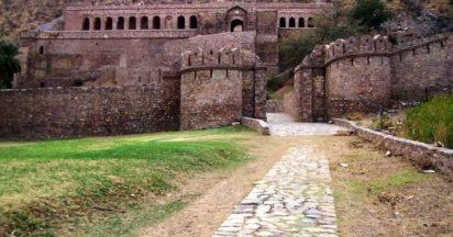 Bhangarh-Fort-412x216_zfy2fl ভারতের 10 স্থান যেখানে ভারতীয়দের প্রবেশ নিষিদ্ধ