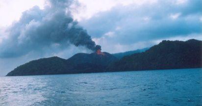 Barren-Island-412x216_wfyfsr ভারতের 10 স্থান যেখানে ভারতীয়দের প্রবেশ নিষিদ্ধ