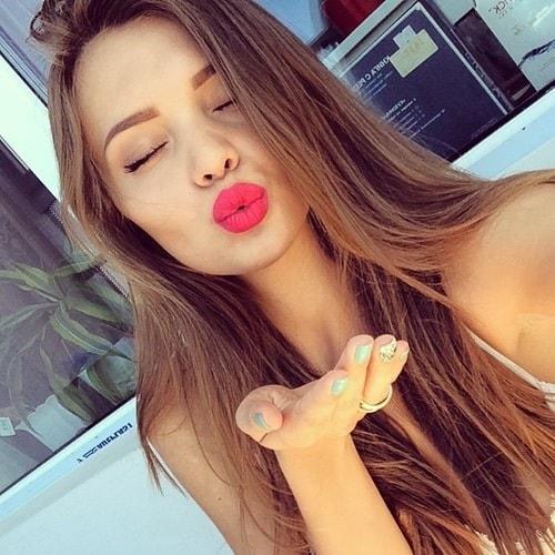 pouty-face-selfie-2_gw53fu সেলফি তোলার সময় ছুঁচোর মতো মুখভঙ্গী কেন মেয়েরা করে ?? কারনটা জানলে অবাক হবেন…