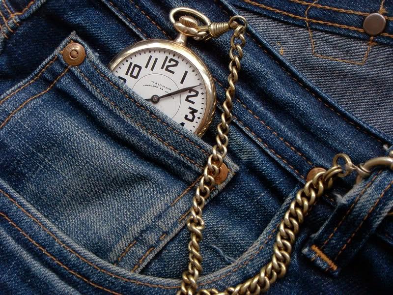 jeans-watch_fqz5ox জিন্স প্যান্টের সামনে ছোট্ট পকেটটি কীসের জন্য রাখা হয়েছে জানেন ?? জানুন বিস্তারিত অবাক হবেন।