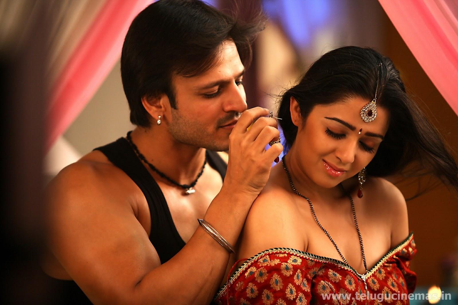 Charmi-romance-with-Vivek-Oberoi-in-Zilla-Ghaziabad-TeluguCinemas.in__agla2c কিভাবে বুঝবেন আপনার সঙ্গি সেক্সে ইচ্ছুক কি না ,জানুন
