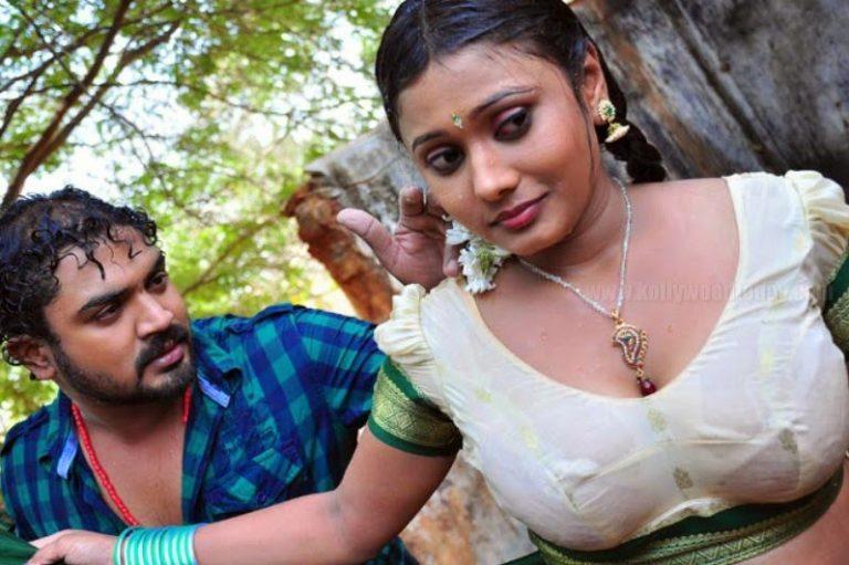 Local-Movie-Hot-Scene-Photos-1-1-768x511_1_czkitd কিভাবে বুঝবেন আপনার সঙ্গি সেক্সে ইচ্ছুক কি না ,জানুন