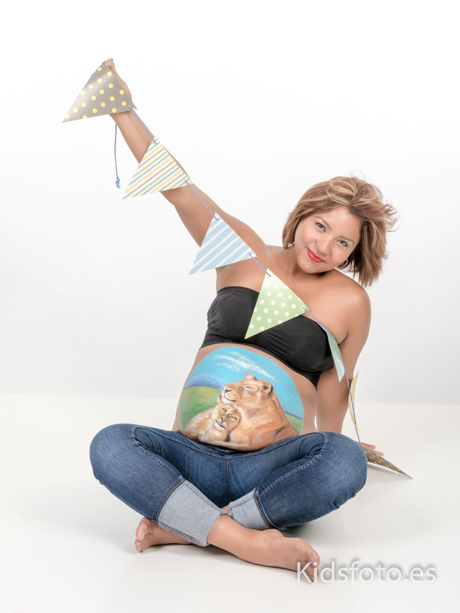 kidsfoto.es Fotografía embarazo en Zaragoza con belly paint, body paint premamá