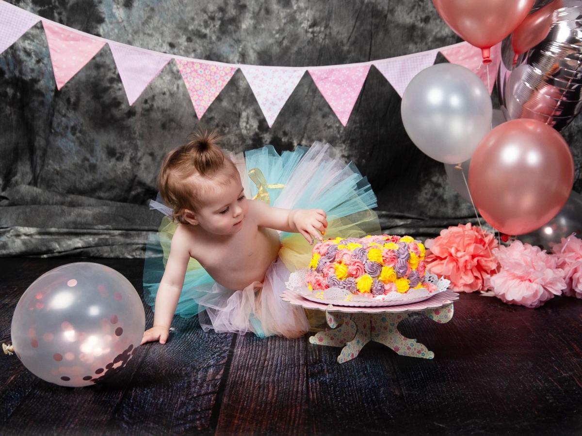 kidsfoto.es Sesión smash cake, sesión  1 año bebe. Fotógrafo infantil en Zaragoza
