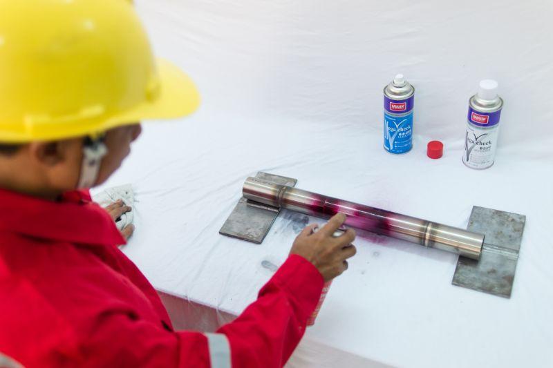 đào tạo kiểm định viên kiểm tra không phá hủy bằng phương pháp thẩm thấu chất lỏng