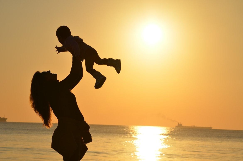 सप्ताहांत: माँ के आँचल में सुख स्वर्ग सा, माँ के चरणों में चारों धाम