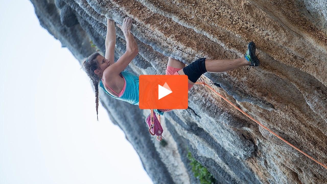 Margo Hayes sends La Rambla (9a+/5 15a) - ClimbersTV