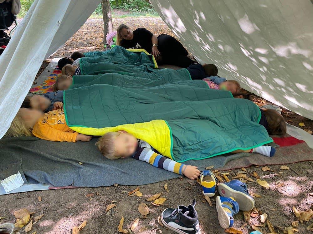 schlafen im wald - Kinderkrippe + Waldkinderkrippe Blüemli in Zürich